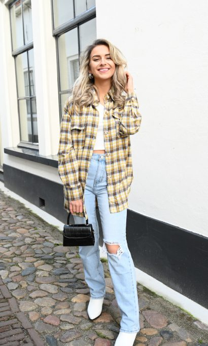ISA-BEAU LIGHT BLUE RIPPED JEANS